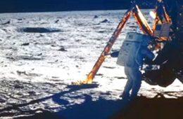 Neil Armstrong Mini-Bio
